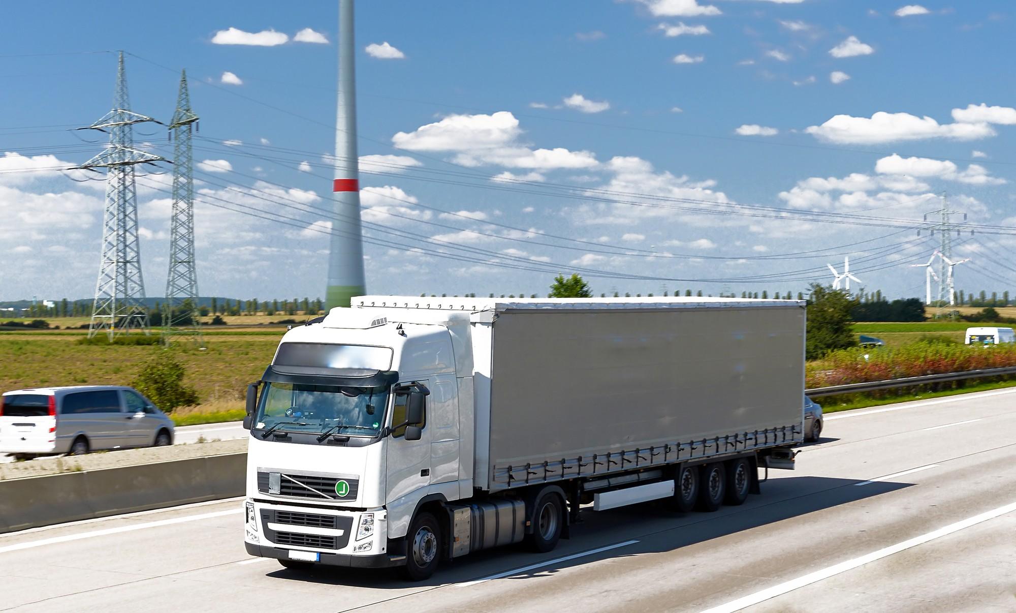 Dieselpartikelfilter Reinigung beim LKW | Cleantaxx GmbH